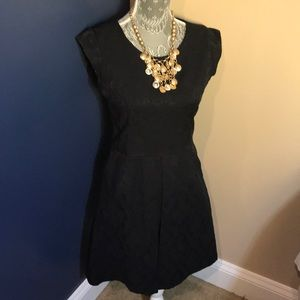 Dresses & Skirts - Laundry by design little black dress